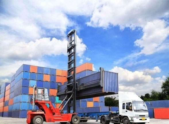 Аренда, услуги контейнеровоза, трала - Калининград, заказать или взять в аренду